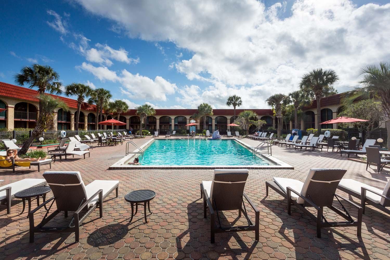 Maingate Lakeside Resort Family Resorts In Kissimmee Fl